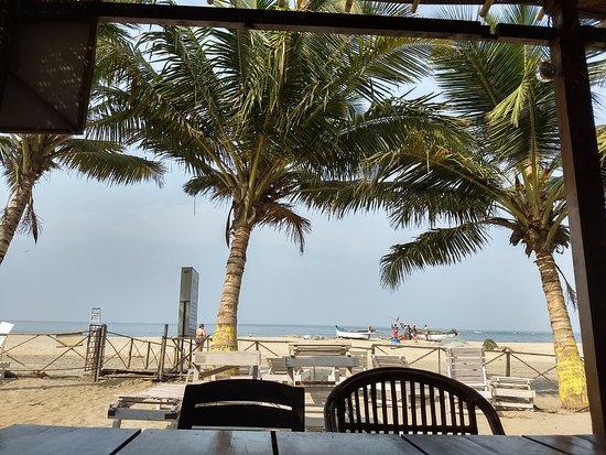 Morjim Coco Palms Beach Resort : restaurante del hotel