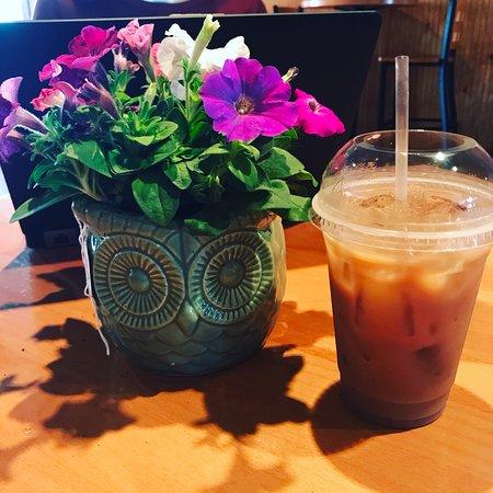 Yanceyville, NC: Busy Bee Coffee Company