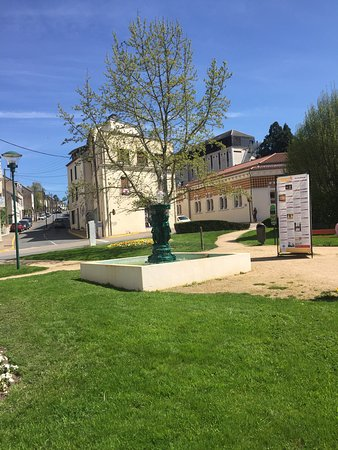 Neris-les-Bains照片