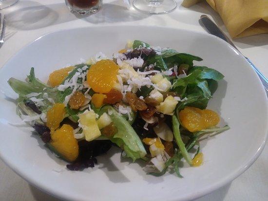 Hibiscus Restaurant: Salad looks appealing