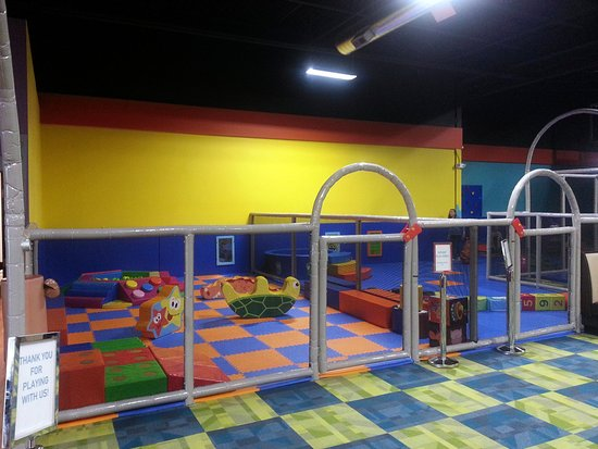 Mount Prospect, IL: separate play areas for infants and toddlers