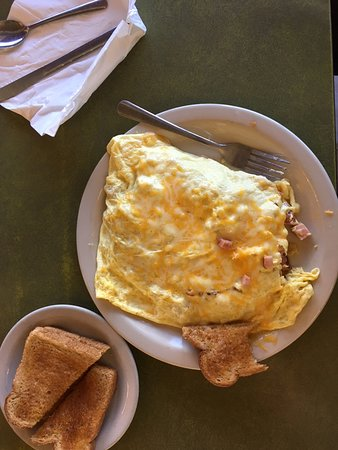 Mounds View, MN: Senior Omelet