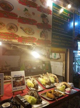 เชียงราย ไนท์บาร์ซา: Local Grilled Seafood