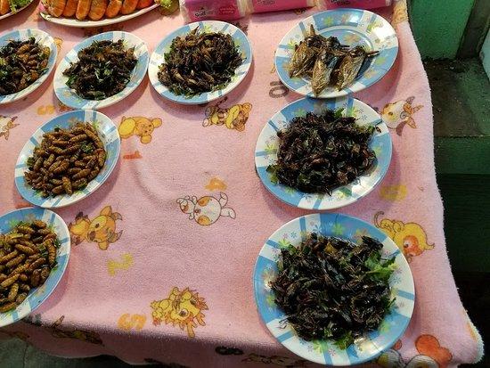 เชียงราย ไนท์บาร์ซา: Exotic Food
