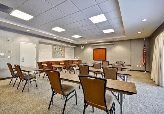Hotels With Meeting Rooms In Tallahassee Fl