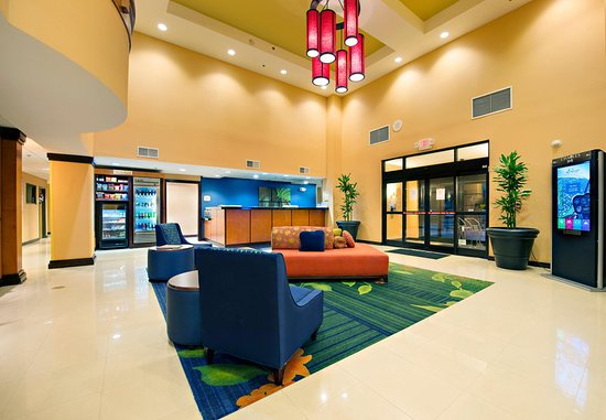 fairfield inn suites charleston airport convention. Black Bedroom Furniture Sets. Home Design Ideas