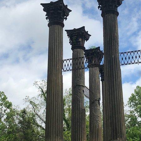 Windsor Ruins: photo1.jpg