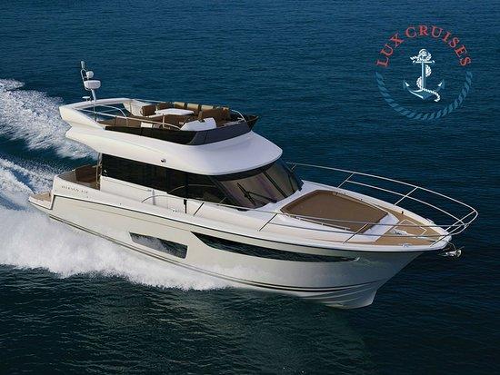 Lux Cruises