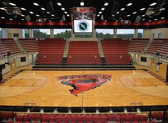 Расселлвилл, Арканзас: The Home of Cyclone Basketball.