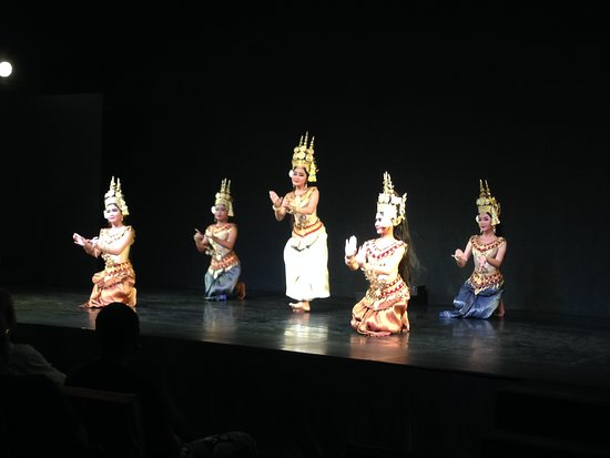 Experience Cambodian Living Arts, Phnom Penh: Apsara performance