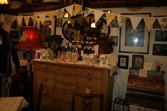 Fourpence Cafe & Shoppe : Dickensian Festival