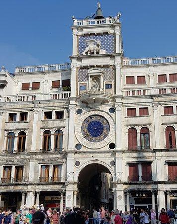 Torre dell'Orologio: la tour de l'horloge