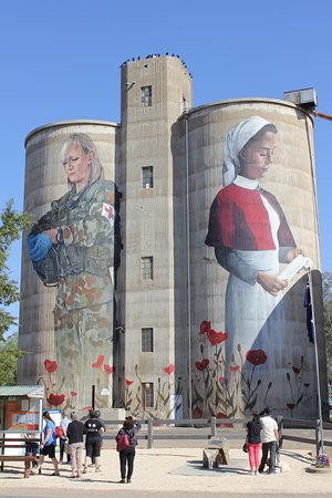 Benalla, Australien: Great Photos of the Silos