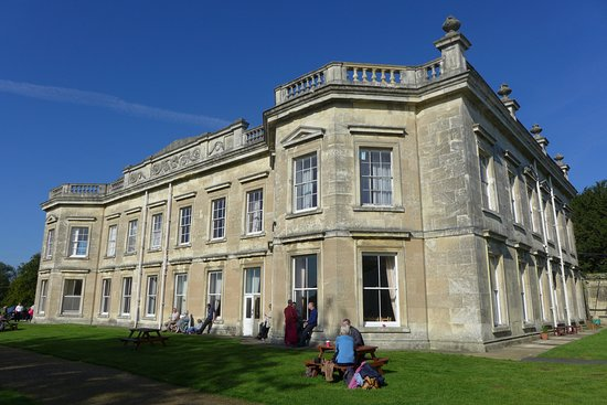 Pocklington, UK: Madhyamaka Kadampa Meditation Centre (Kilnwick Percy Hall)