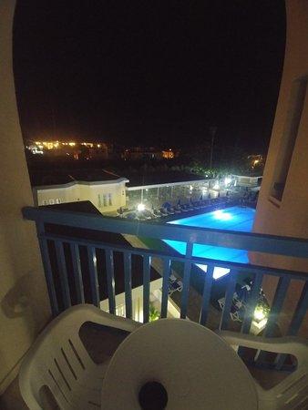 Kissos Hotel: 20180425_010548_large.jpg