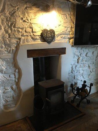 Little Haven, UK: Cute fire place