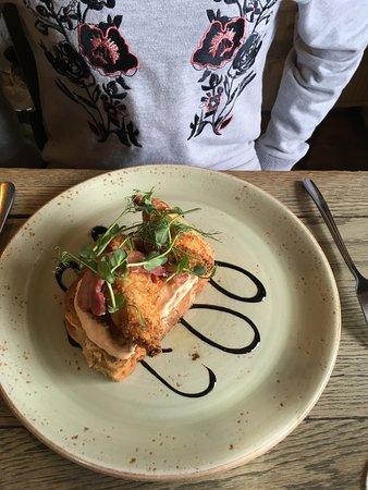 Little Haven, UK: Open chicken sandwich
