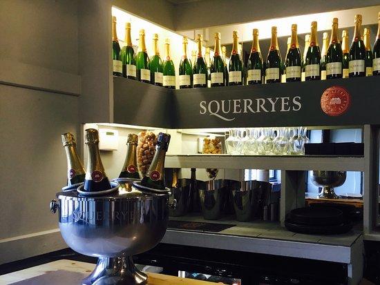 Cranbrook, UK: Squerryes English Sparkling Wine
