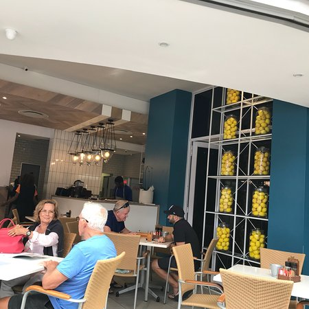Zaras Cafe: photo0.jpg