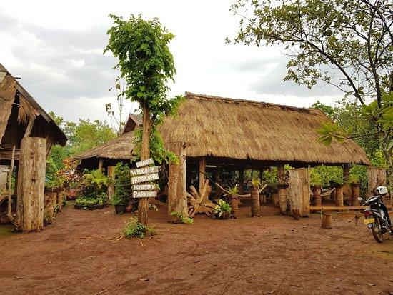 Ban Laongam, Laos: IMG-20180428-WA0015_large.jpg