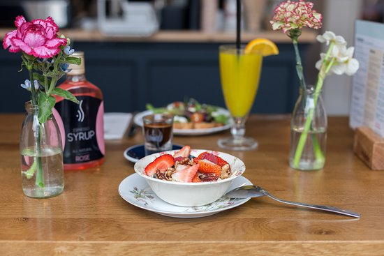 Breakfast is served at Coffeelicious Dordrecht