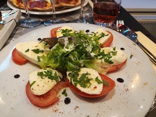 Moretti Ristorante & pizzeria: Tomates Mozza