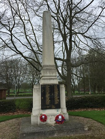 ‪Lowdham War Memorial‬