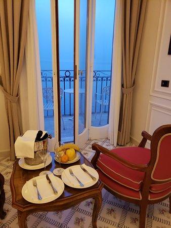 Grand Hotel Ambasciatori: 20180413_194333_large.jpg