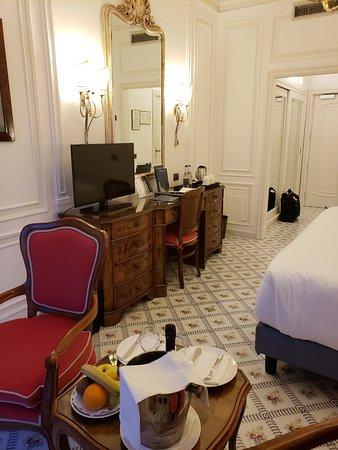Grand Hotel Ambasciatori: 20180413_194411_large.jpg