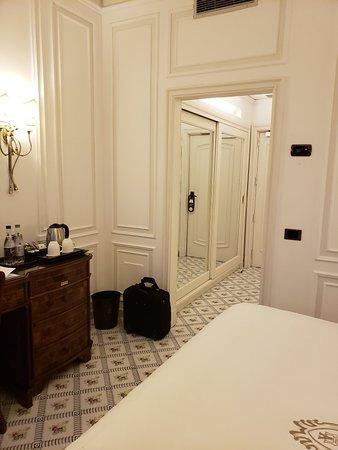 Grand Hotel Ambasciatori: 20180413_194512_large.jpg