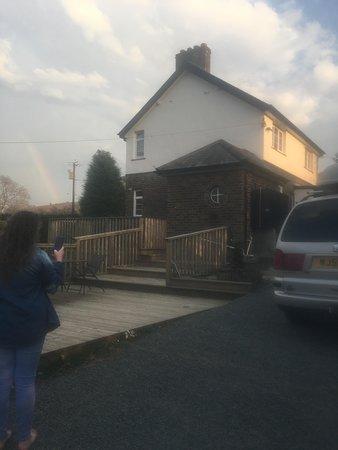 Hundred House Photo