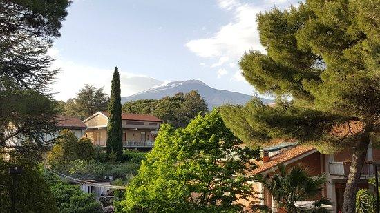 Hotel Alle Pendici Dell'Etna: 20180427_181858_001_large.jpg