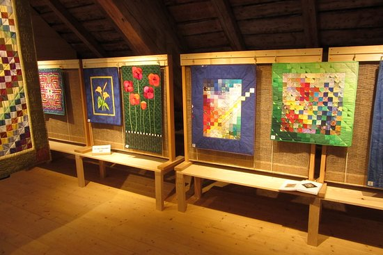 Remoray-Boujeons, France: exposition de patchwork