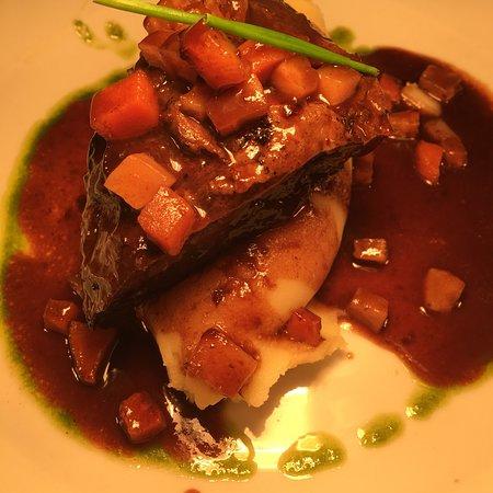 Crew's Steak & Seafood Restaurant