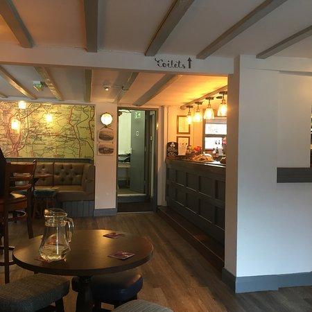 Leigh Sinton, UK: The Royal Oak