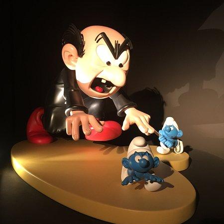 Moof Musée de la Bande dessinée et des Figurines : смурфы