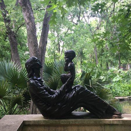 Umlauf Sculpture Garden & Museum: photo1.jpg