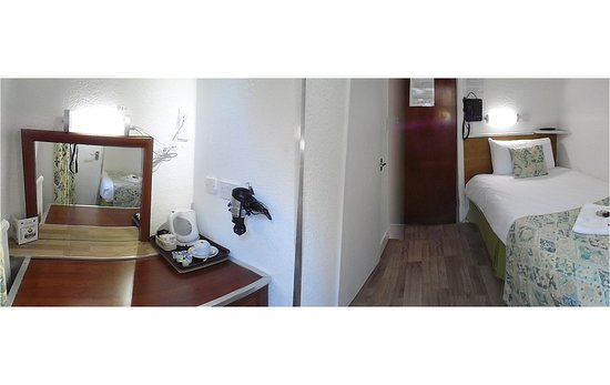 Falcon Hotel: Single Room