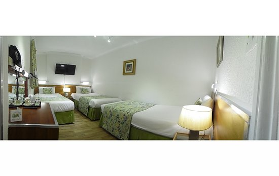 Falcon Hotel: Triple Room