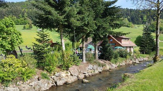 Nordrach, Germany: Ruhig gelegen - mit schönem Spielplatz.