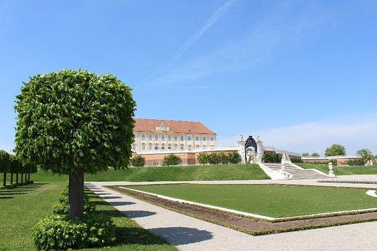 Schlosshof, النمسا: IMG_1887_large.jpg