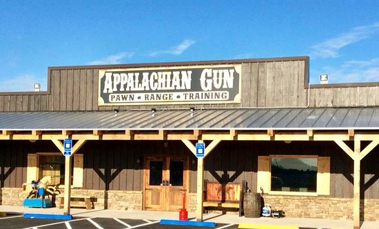 Jasper, Georgien: Welcome to Appalachian Gun, Pawn, Range & Training