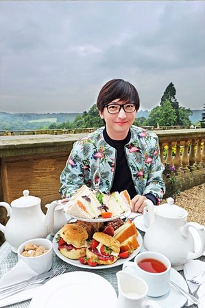 Harewood House: scones with view