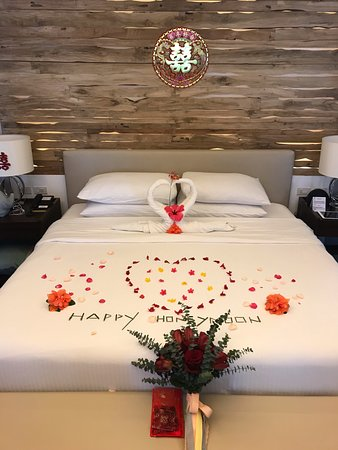 Mithi Resort and Spa: Our bed after the wedding