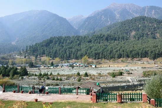 Recommended for staying in Pahalgam. Had a very pleasant stay.