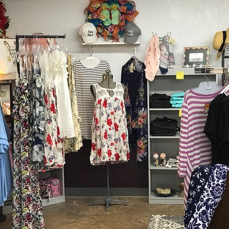 Marlinton, WV: Our Town Boutique