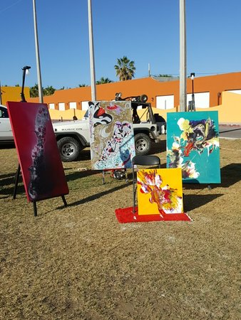 Hotel Palmas de Cortez: Some artists from Rock Fest