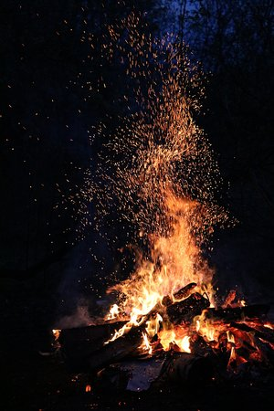 The Charlton Farm: Summer bon fire