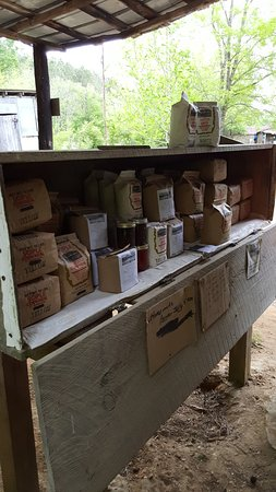 De Kalb, MS: Pick your items, grits, cornmeal, fish fry, whole wheat flour and pepper jam.