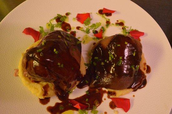 Jarret de porc coup en deux et d soss marin et cuit au pinot noir picture of la petite - Magie corps coupe en deux ...